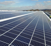 Jaguar Land Rover Installs The UKs Largest Rooftop Solar Panel Array At Its Engine Manufacturing Centre